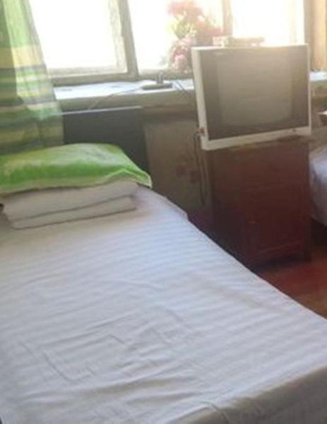 Mainland Chinese Citizens - Single Room with Shared Bathroom