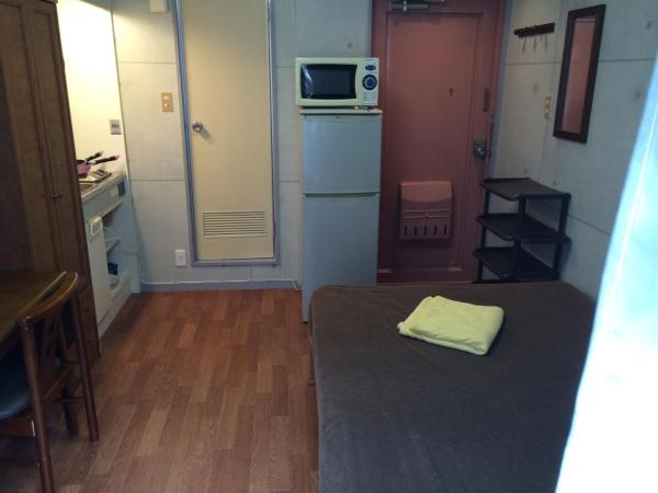 One-Bedroom Apt with Small Double Bed - 103
