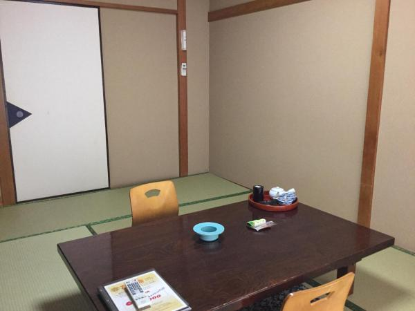 Japanese-Style Single Room