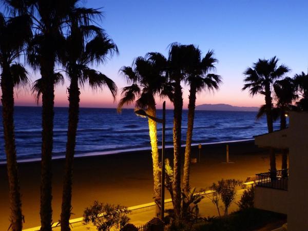 Hotel Pictures: Laguna Beach Apartment, Torrox Costa