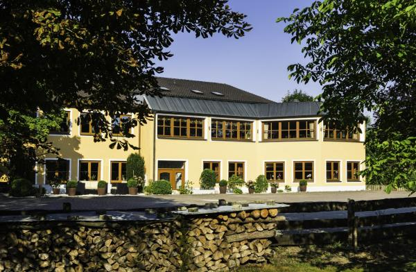 Hotelbilleder: Landhotel Hallnberg, Walpertskirchen