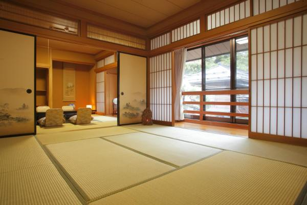 Japanese-Style Family Room with Shared Bathroom