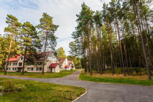 Hotel Pictures: Ozdorovitelnyy Kompleks Chayka, Borovyye