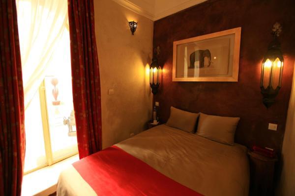 Red Mini Suite