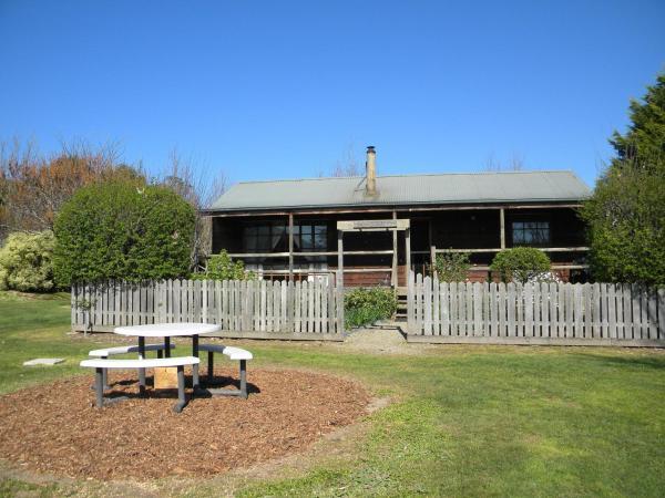 Three-Bedroom Cottage - Cedar Lodge