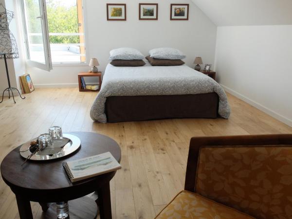 Hotel Pictures: La Croix Tout Blanc, Savennières