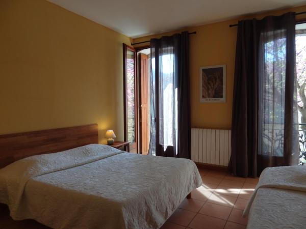 Hotel Pictures: Les Santolines, Cucugnan