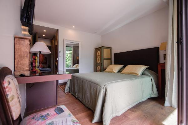 Suite with forest view