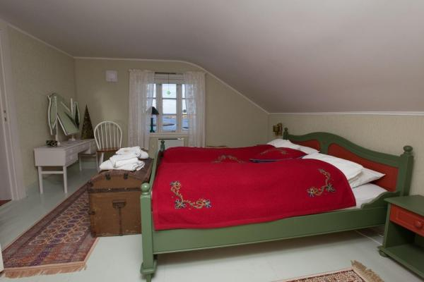 Double Room with Sea View - Shared Bathroom
