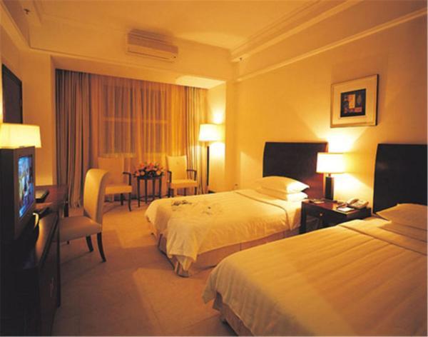 Hotel Pictures: Clifford Golden Lake Hotel, Nanhai
