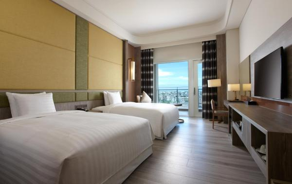 Deluxe Twin Room with Harbor View