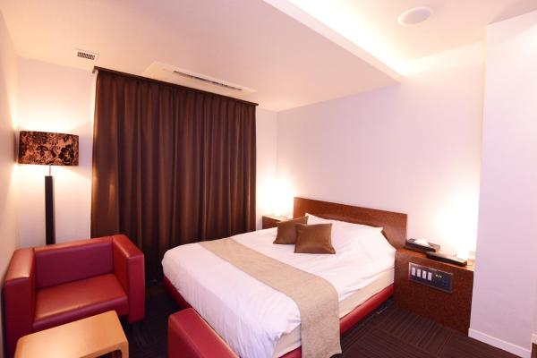 Double Room - Smoking (Must check in after 20:00)