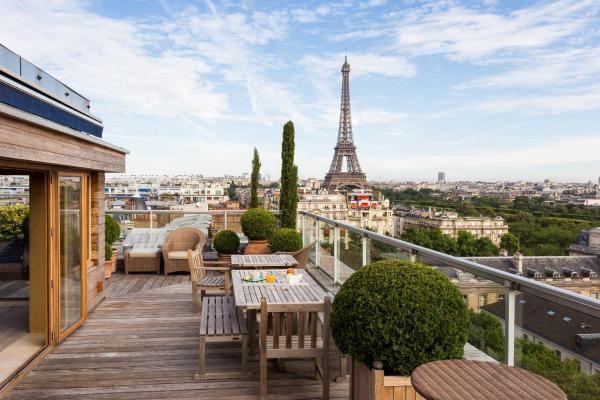 Four-Bedroom Apartment - Avenue de la Motte-Picquet