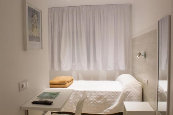 Single Room - Disability Access with Private Bathroom