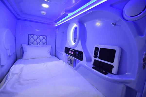 Upper Capsule with Shared Bathroom