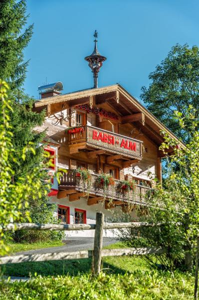 Hotellbilder: Designer-Chalets, Dorf Dienten