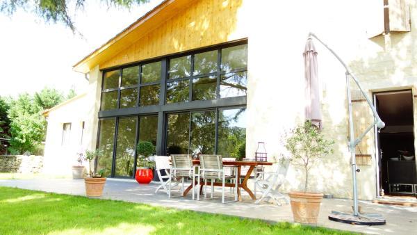 Hotel Pictures: La Petite Girondine, La Suite..., Pujols Gironde
