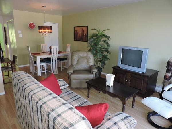Hotel Pictures: Appartement touristique #5 Immeuble MH, L'Anse-Saint-Jean