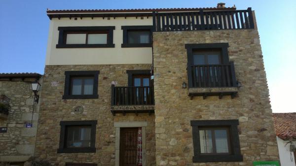 Hotel Pictures: Vía Caparra Superior, Oliva de Plasencia