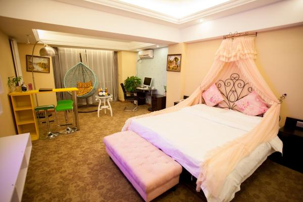 Mainland Chinese Citizens-Deluxe King Room