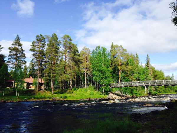 Hotel Pictures: Arctic Circle Wilderness Lodge, Vikajärvi
