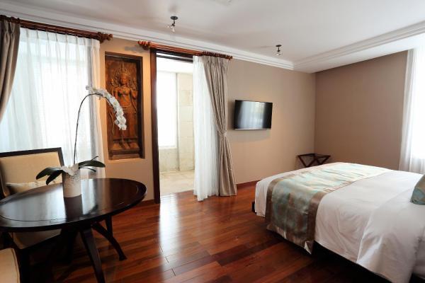 Arunreas Majestic City King Suite with Spa Bath