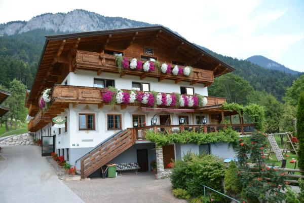 Fotos de l'hotel: Hotel Gasthof Badhaus, Söll