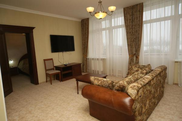 Suite with Treatment