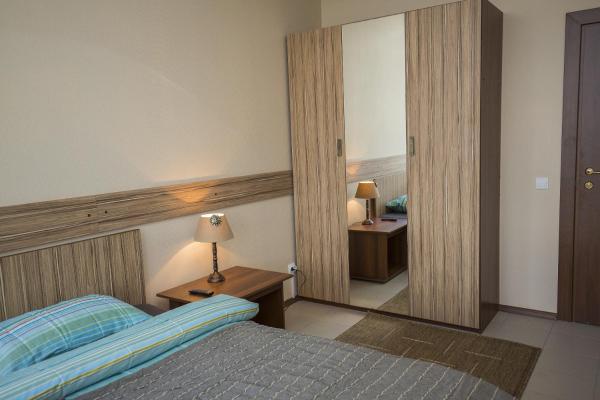 Standard Twin Room with Shared Bathroom