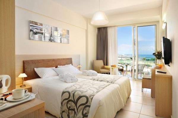 Standard Twin Room with Side Sea View