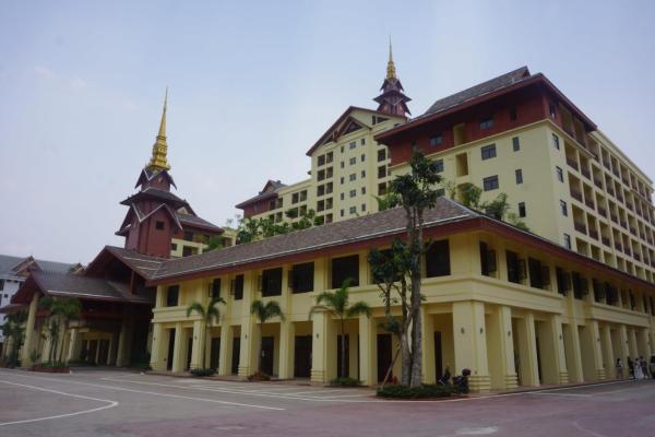 Hotel Pictures: Xishuangbanna Shibao Business Hotel, Jinghong