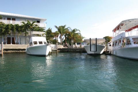 Hotel Pictures: Flamingo Bay Hotel & Marina, Freeport