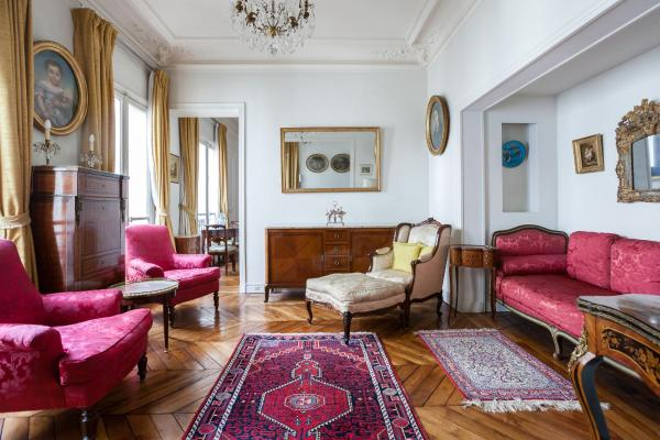 One-Bedroom Apartment - Rue de la Pompe II