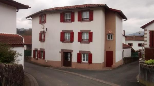 Hotel Pictures: Maison Bidegain Berria, Ispoure