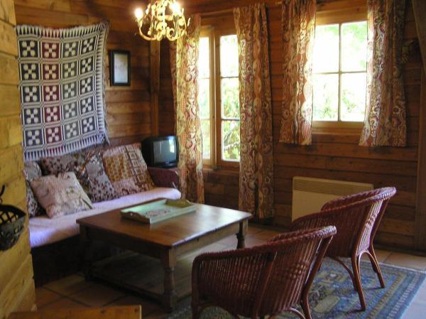 Hotel Pictures: Residences Du Golf Des Roucous, Sauveterre