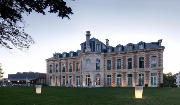 Hotel Pictures: Hôtel et Spa du Château, Lagord