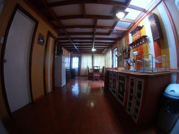 Hotel Pictures: Refugio Termal en la Naturaleza Termas Rio Amarillo, Chaitén