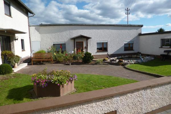 Hotel Pictures: Lonniger House, Lonnig