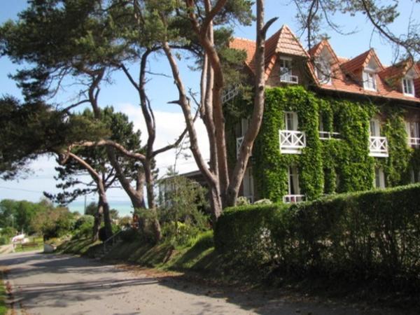 Hotel Pictures: Hôtel De La Terrasse, Varengeville-sur-Mer