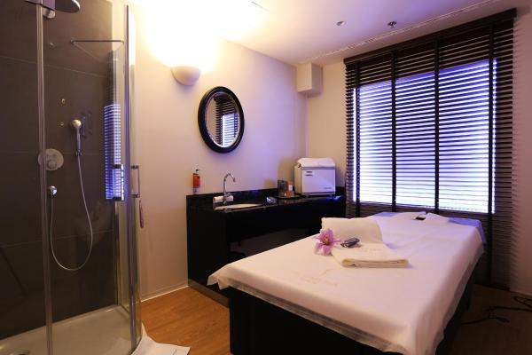 Special Offer - Deluxe Room with Sensual Spa Package