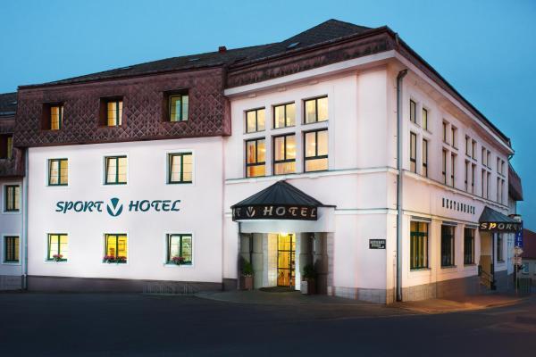 Hotel Pictures: Sport-V-Hotel, Hrotovice