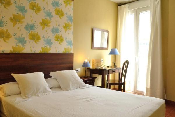 Hotel Pictures: Hostal La Andaluza, San Fernando