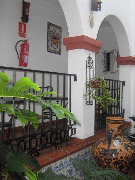 Hotel Pictures: Apartamentos Turisticos Casa Cantillo, Carmona