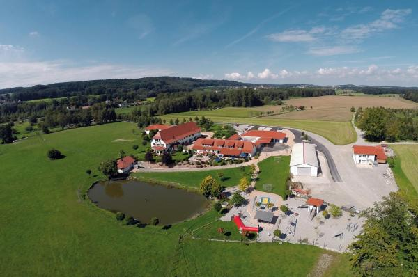 Hotel Pictures: Hotel Ferienhof Tiergarten, Aulendorf