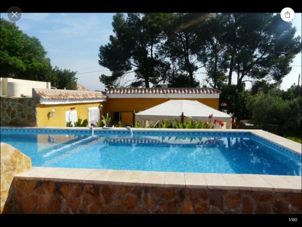 Hotel Pictures: Las Golondrinas, Lliria