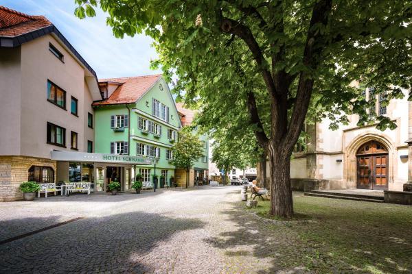 Hotel Pictures: Hotel-Restaurant Schwanen, Metzingen