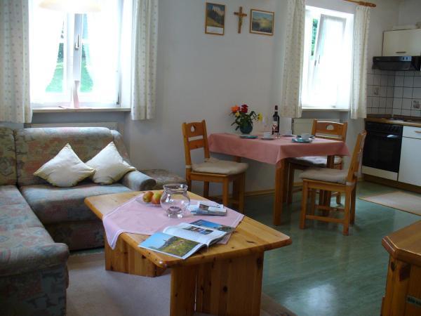 Hotel Pictures: Bruckhuberhof, Hirschbach