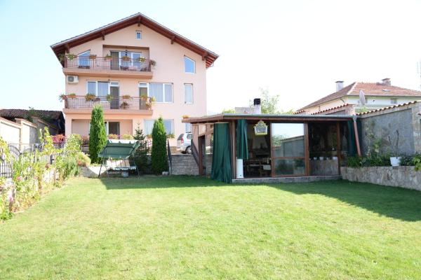 Hotel Pictures: Guesthouse Angelov, Garmen