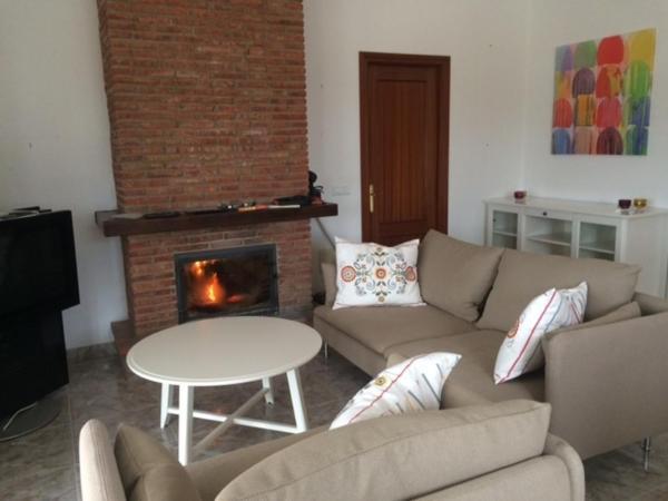 Hotel Pictures: Casa Vicky, Colmenar