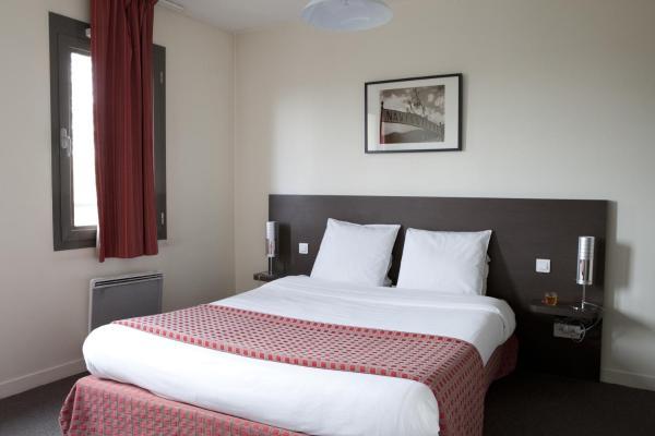 Hotel Pictures: Villa Bellagio Institut Gustave Roussy by Popinns, Villejuif